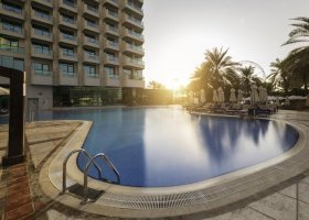 dubaj-hotel-hilton-dubai-the-walk-002.jpg