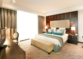 dubaj-hotel-park-regis-kris-kin-001.jpg