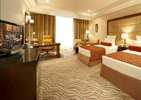 dubaj-hotel-park-regis-kris-kin-012.jpg