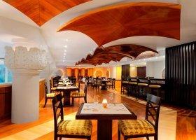 dubaj-hotel-sheraton-jumeirah-beach-resort-004.jpg