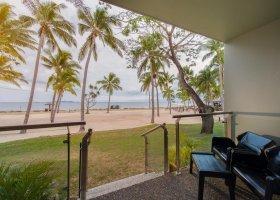 fidzi-hotel-doubletree-resort-by-hilton-fiji-104.jpg