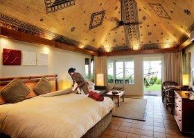 fidzi-hotel-outrigger-on-the-lagoon-fiji-070.jpg