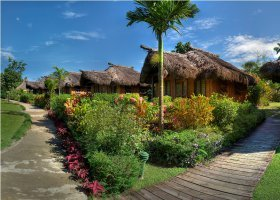 fidzi-hotel-uprising-beach-resort-011.jpg