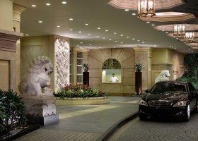 filipiny-hotel-peninsula-manila-020.jpg