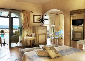 italie-hotel-colonna-porto-cervo-026.jpg