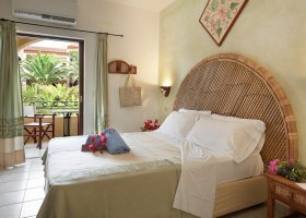 italie-hotel-relax-torreruja-027.jpg