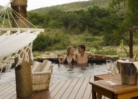jihoafricka-republika-hotel-amakhosi-safari-lodge-005.jpg