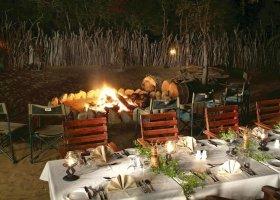 jihoafricka-republika-hotel-amakhosi-safari-lodge-007.jpg