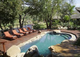 jihoafricka-republika-hotel-amakhosi-safari-lodge-009.jpg