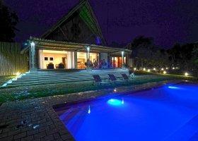 jihoafricka-republika-hotel-amakhosi-safari-lodge-010.jpg