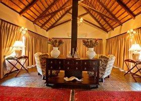 jihoafricka-republika-hotel-amakhosi-safari-lodge-011.jpg
