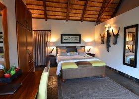 jihoafricka-republika-hotel-amakhosi-safari-lodge-015.jpg