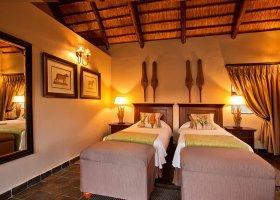 jihoafricka-republika-hotel-amakhosi-safari-lodge-016.jpg