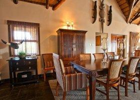 jihoafricka-republika-hotel-amakhosi-safari-lodge-018.jpg