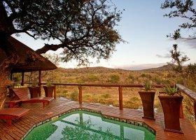 jihoafricka-republika-hotel-amakhosi-safari-lodge-020.jpg