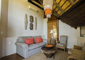 jihoafricka-republika-hotel-amakhosi-safari-lodge-022.jpg