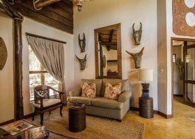 jihoafricka-republika-hotel-amakhosi-safari-lodge-024.jpg