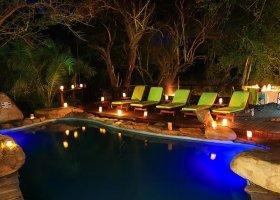 jihoafricka-republika-hotel-amakhosi-safari-lodge-025.jpg