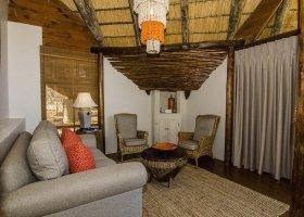 jihoafricka-republika-hotel-amakhosi-safari-lodge-026.jpg