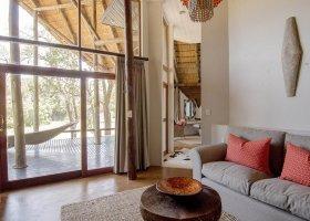 jihoafricka-republika-hotel-amakhosi-safari-lodge-027.jpg