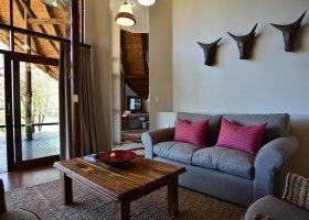 jihoafricka-republika-hotel-amakhosi-safari-lodge-028.jpg