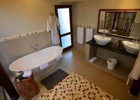 jihoafricka-republika-hotel-amakhosi-safari-lodge-032.jpg