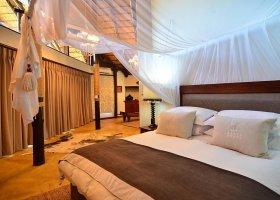 jihoafricka-republika-hotel-amakhosi-safari-lodge-038.jpg