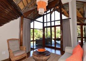 jihoafricka-republika-hotel-amakhosi-safari-lodge-039.jpg