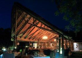 jihoafricka-republika-hotel-amakhosi-safari-lodge-041.jpg