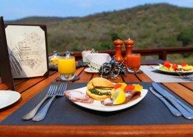 jihoafricka-republika-hotel-amakhosi-safari-lodge-047.jpg