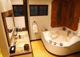 jihoafricka-republika-hotel-amakhosi-safari-lodge-048.jpg