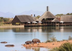jihoafricka-republika-hotel-buffelsdrift-game-lodge-024.jpg