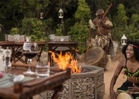 jihoafricka-republika-hotel-lobengula-lodge-001.jpg