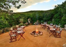 jihoafricka-republika-hotel-lobengula-lodge-003.jpg