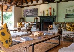 jihoafricka-republika-hotel-lobengula-lodge-008.jpg