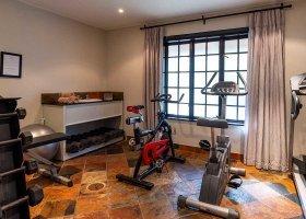 jihoafricka-republika-hotel-lobengula-lodge-009.jpg