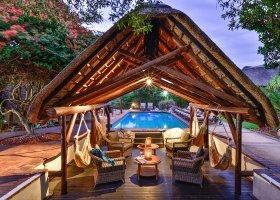 jihoafricka-republika-hotel-lobengula-lodge-018.jpg