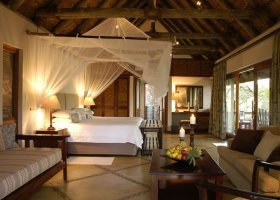 jihoafricka-republika-hotel-thornybush-game-lodge-014.jpg