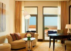 katar-hotel-the-st-regis-doha-011.jpg