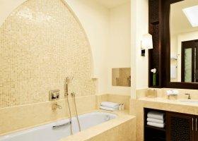 katar-hotel-the-st-regis-doha-046.jpg