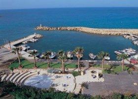 kypr-hotel-coral-beach-hotel-and-resort-002.jpg