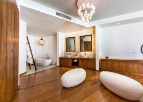 maledivy-hotel-amilla-fushi-195.jpg