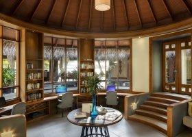 maledivy-hotel-anantara-dhigu-resort-131.jpg