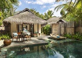 maledivy-hotel-anantara-dhigu-resort-137.jpg