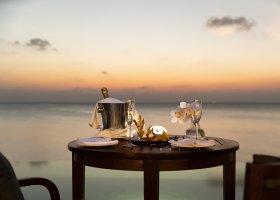 maledivy-hotel-anantara-dhigu-resort-144.jpg