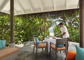 maledivy-hotel-anantara-dhigu-resort-152.jpg