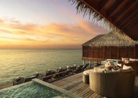 maledivy-hotel-anantara-dhigu-resort-190.jpg