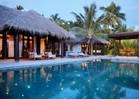 maledivy-hotel-anantara-kihavah-043.jpeg