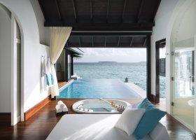 maledivy-hotel-anantara-kihavah-060.jpg