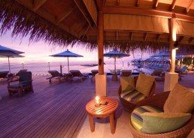 maledivy-hotel-anantara-veli-resort-001.jpg